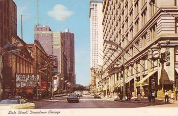 POSTCARD - CHICAGO - STATE STREET - MARSHALL FIELD - ROOSEVELT THEATER - 1967