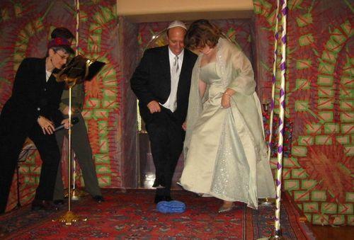 Wedding-breaking glass