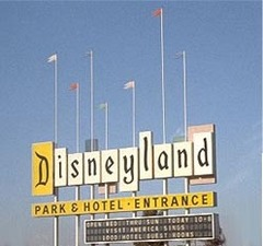 Disneylandsign